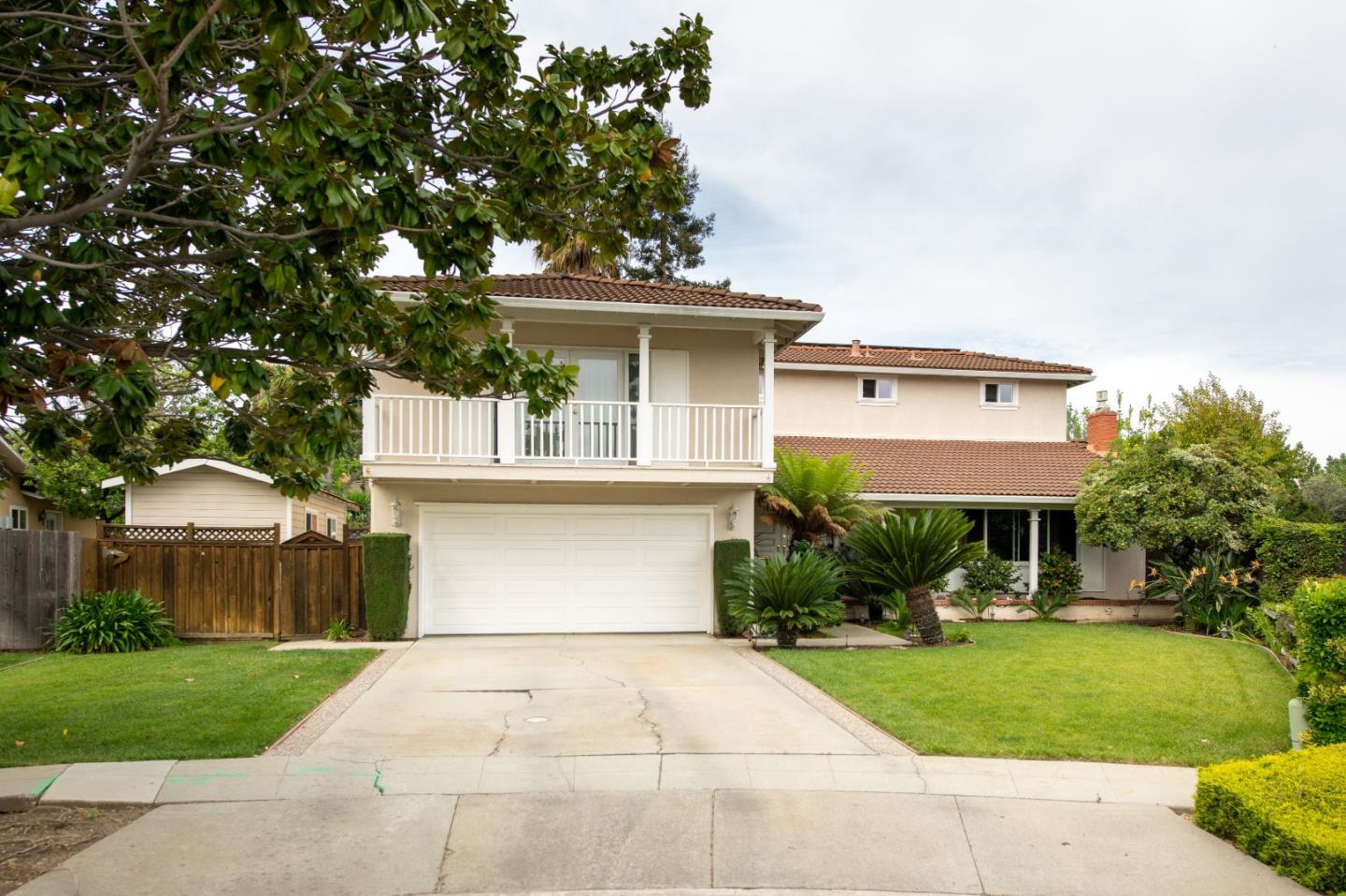 Excellent Location. Located on a Quiet, Tree-lined street. Close vicinity to Almaden Lake, walking trails, light rail, popular Guadalupe Park, shopping and freeways. Top/Award Winning Almaden Schools!