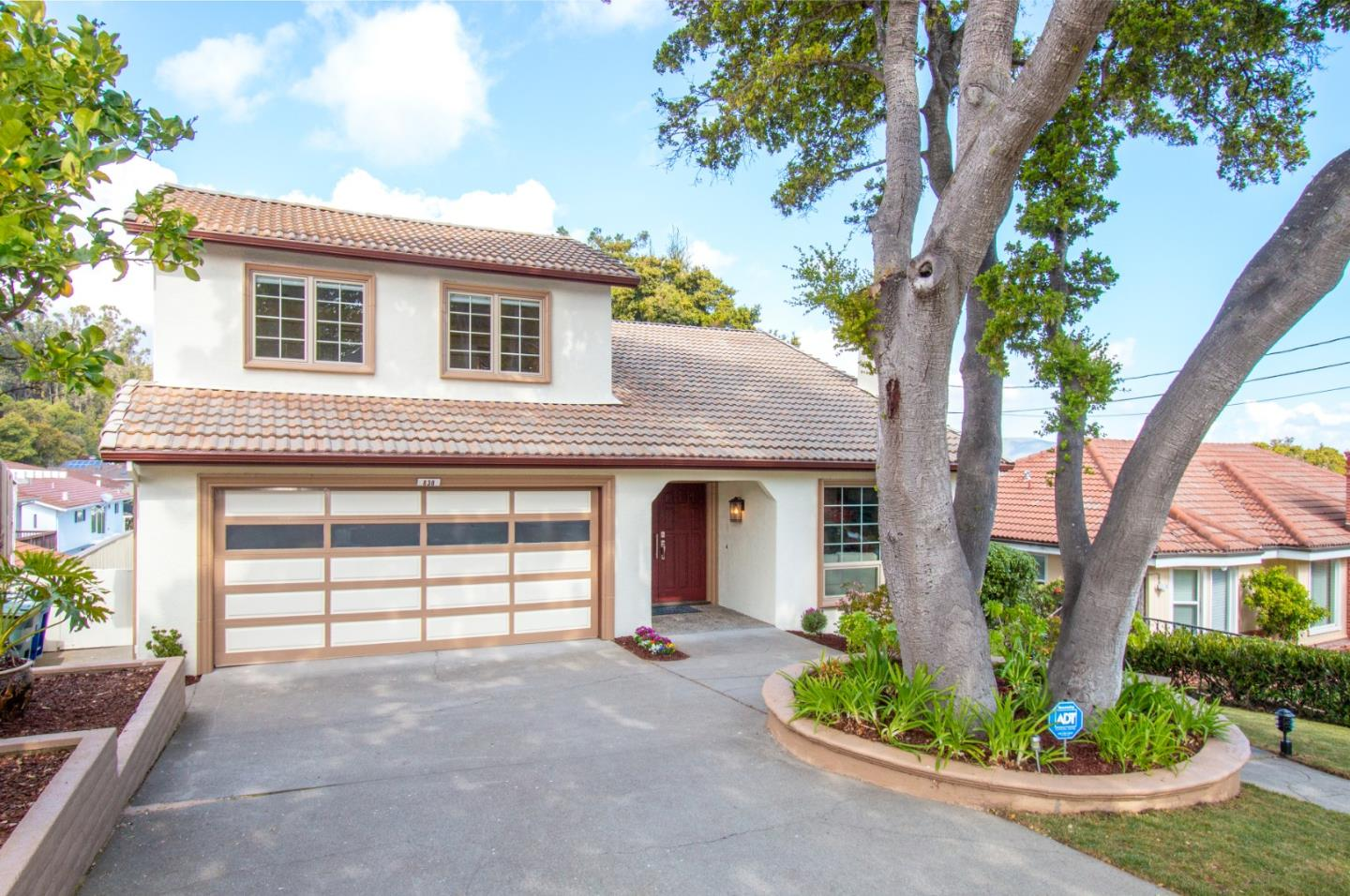 Detail Gallery Image 1 of 22 For 838 Capuchino Dr, Millbrae, CA 94030 - 4 Beds   3/1 Baths
