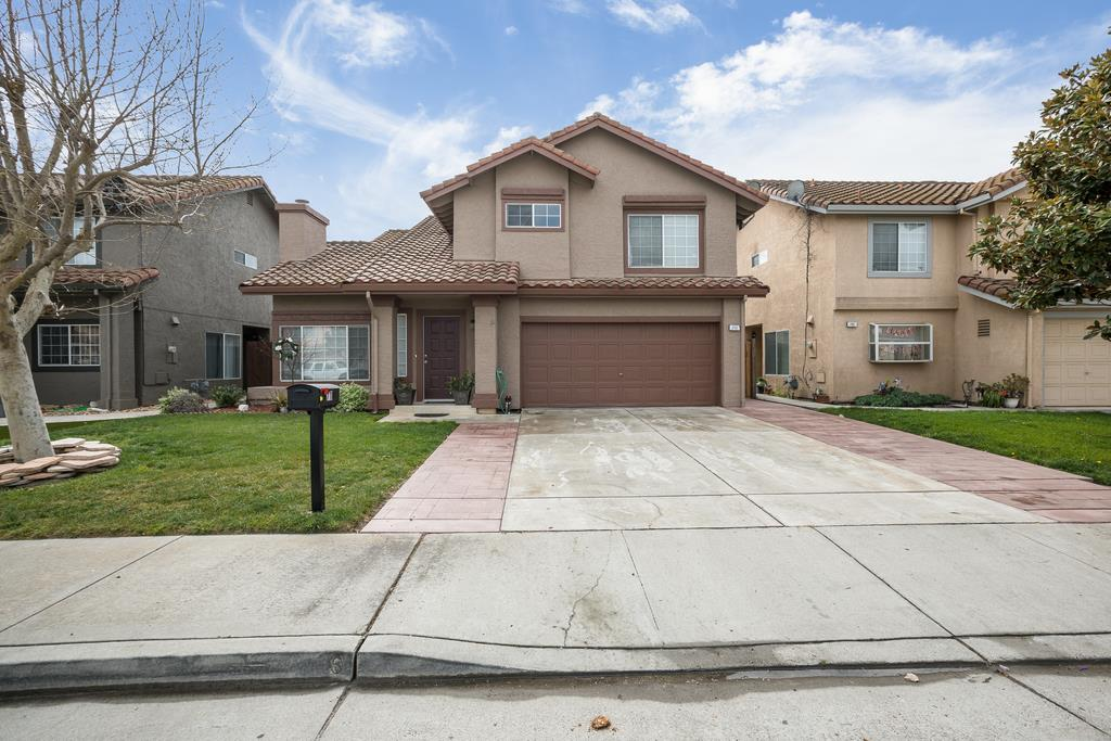 Detail Gallery Image 1 of 1 For 711 Las Palmas Dr, Hollister, CA 95023 - 3 Beds | 2/1 Baths