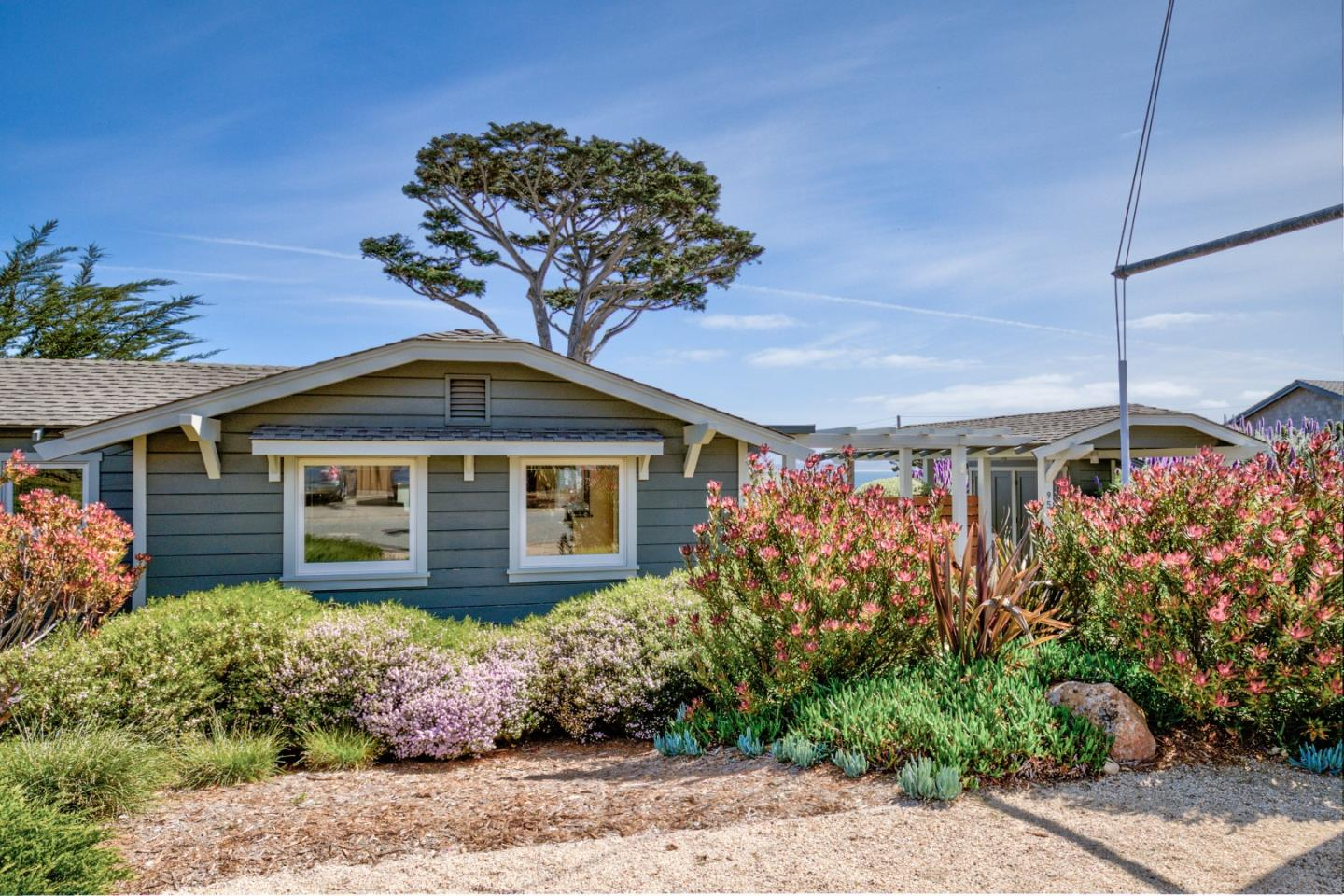 Detail Gallery Image 1 of 1 For 950 Balboa Ave, Pacific Grove, CA 93950 - 1 Beds | 1 Baths