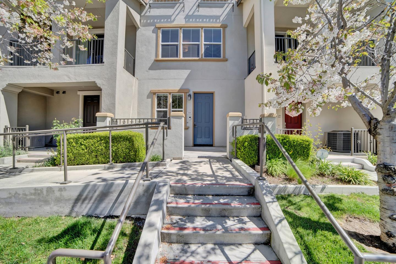 598 Cedarville Lane San Jose, CA 95133