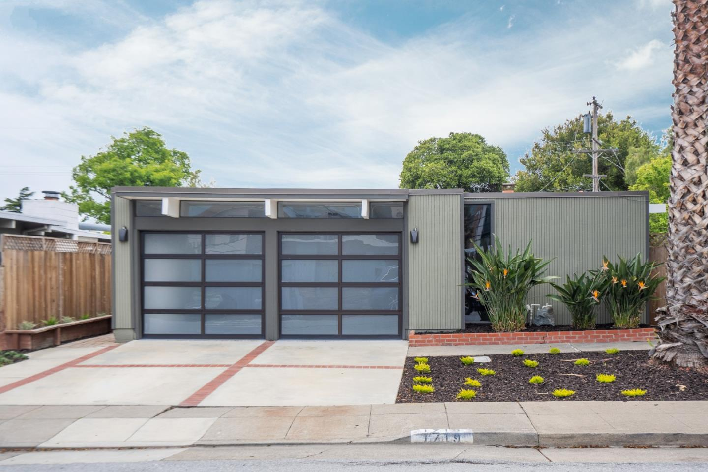 Detail Gallery Image 1 of 1 For 1719 Eleanor Dr, San Mateo,  CA 94402 - 4 Beds | 2 Baths