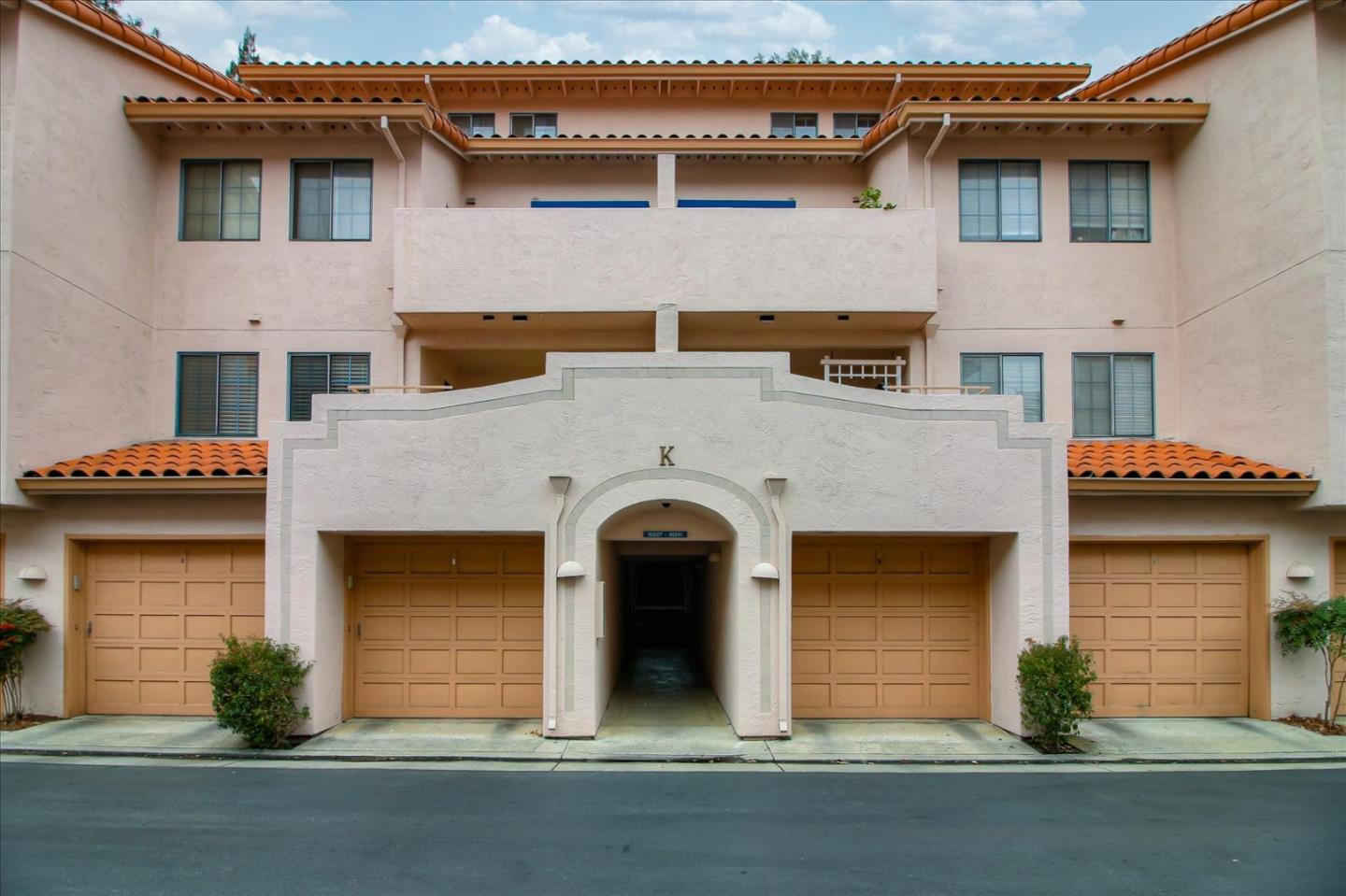 Detail Gallery Image 1 of 1 For 10235 Nile Dr, Cupertino, CA 95014 - 1 Beds | 1 Baths