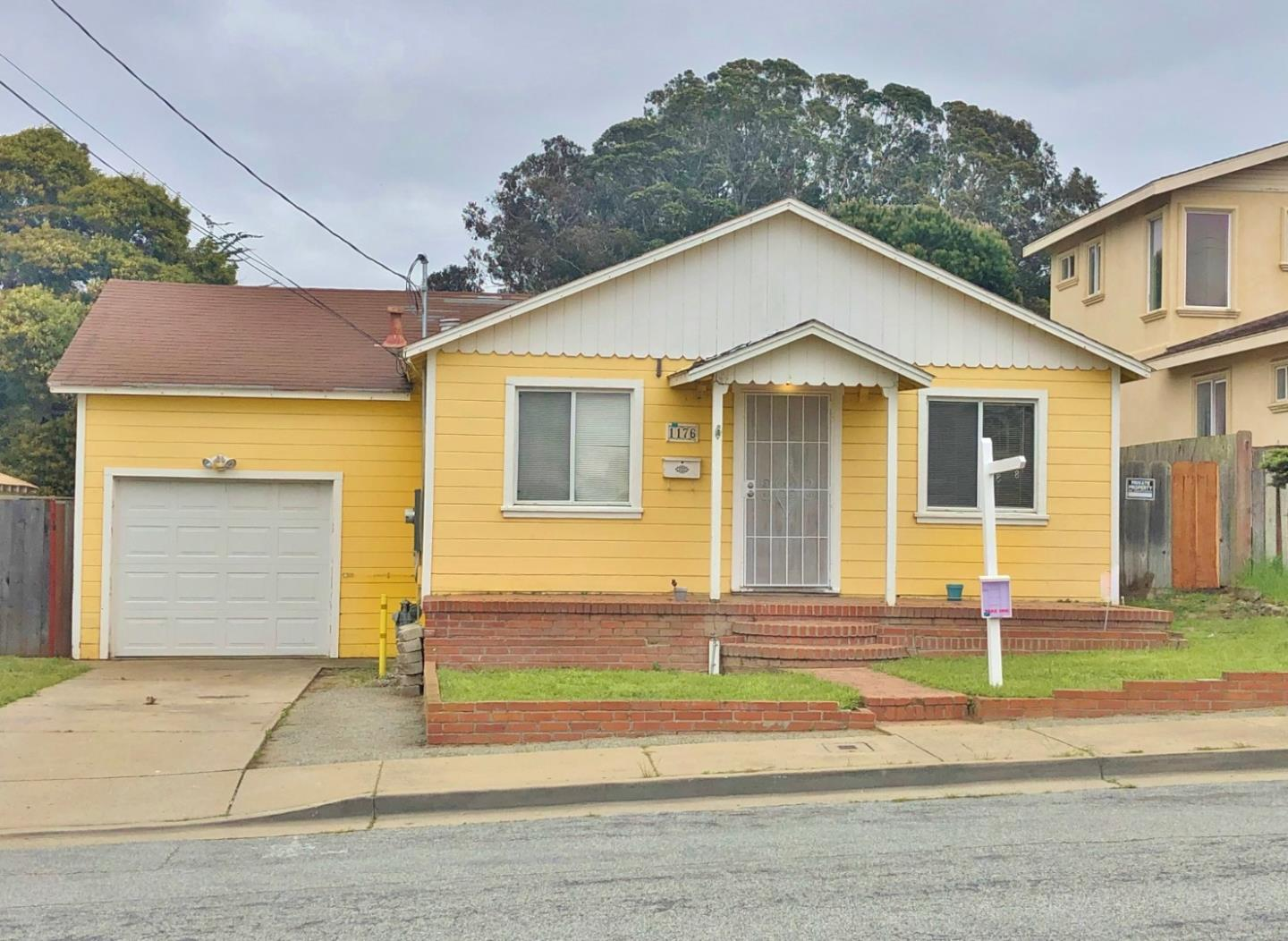 Photo of 1176-1178 Waring ST, SEASIDE, CA 93955