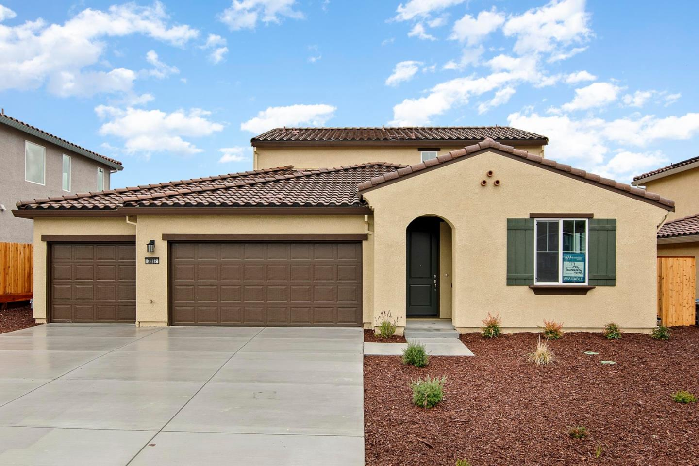 Detail Gallery Image 1 of 13 For 3082 Palomino Way, Hollister, CA 95023 - 4 Beds | 2/1 Baths