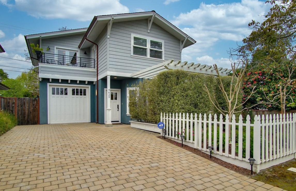 Detail Gallery Image 1 of 1 For 4625 Emerald St, Capitola, CA 95010 - 3 Beds | 2/1 Baths