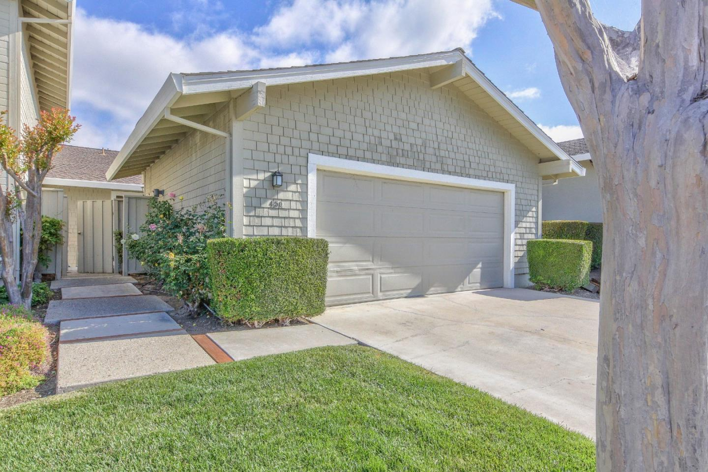 Detail Gallery Image 1 of 1 For 450 Ridgemark Dr, Hollister, CA 95023 - 2 Beds | 2 Baths