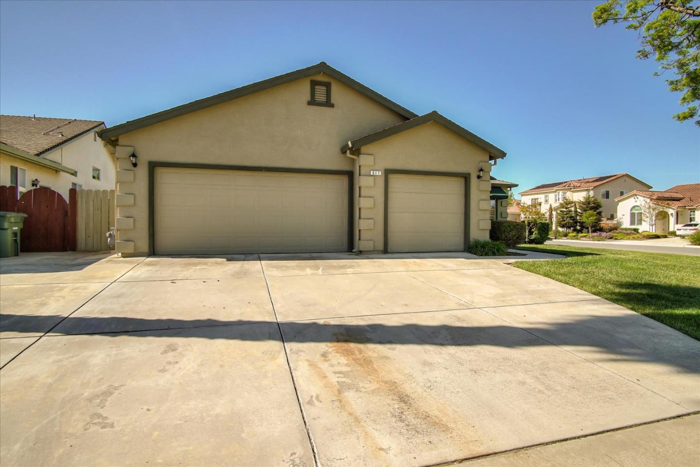 Detail Gallery Image 1 of 1 For 611 Argonne Ave, Hollister, CA 95023 - 4 Beds | 2 Baths