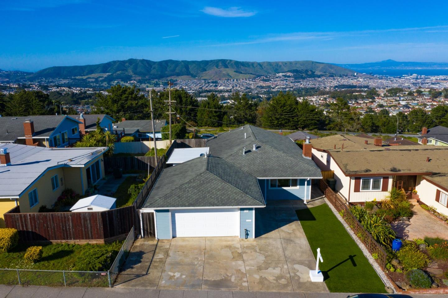 Detail Gallery Image 1 of 1 For 3280 Geoffrey Dr, San Bruno, CA 94066 - 3 Beds | 2 Baths
