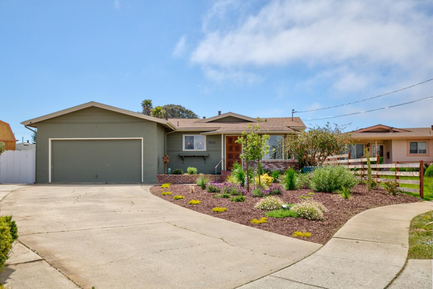 Detail Gallery Image 1 of 1 For 3006 Concord Ct, Marina, CA 93933 - 3 Beds   2 Baths