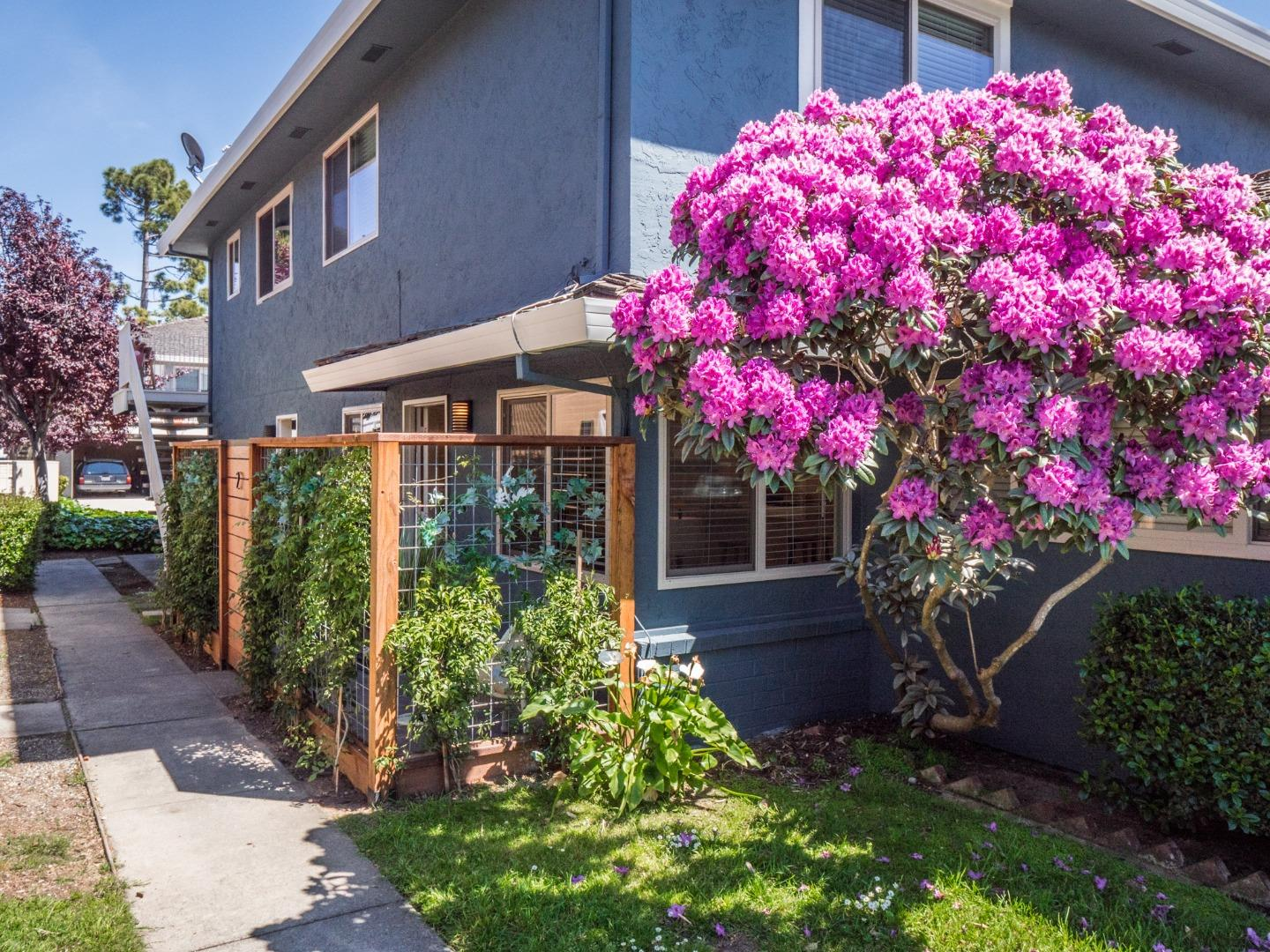 Detail Gallery Image 1 of 1 For 1470 42nd Ave #2,  Capitola,  CA 95010 - 2 Beds | 1 Baths