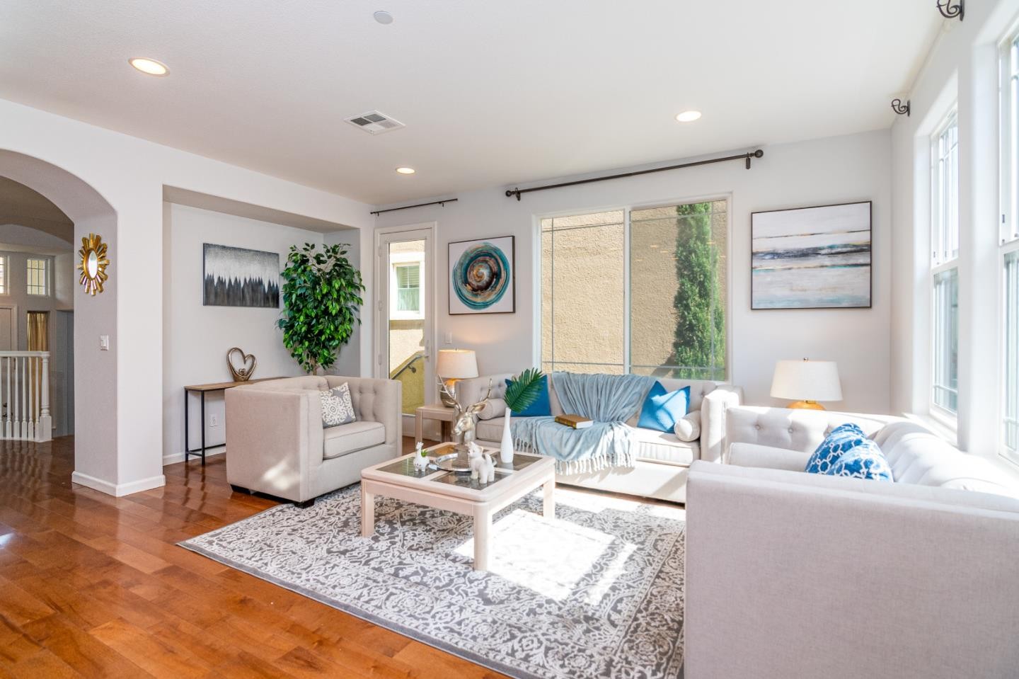 Detail Gallery Image 1 of 27 For 465 Brisa Suave Cmn, Milpitas, CA 95035 - 3 Beds | 2/1 Baths