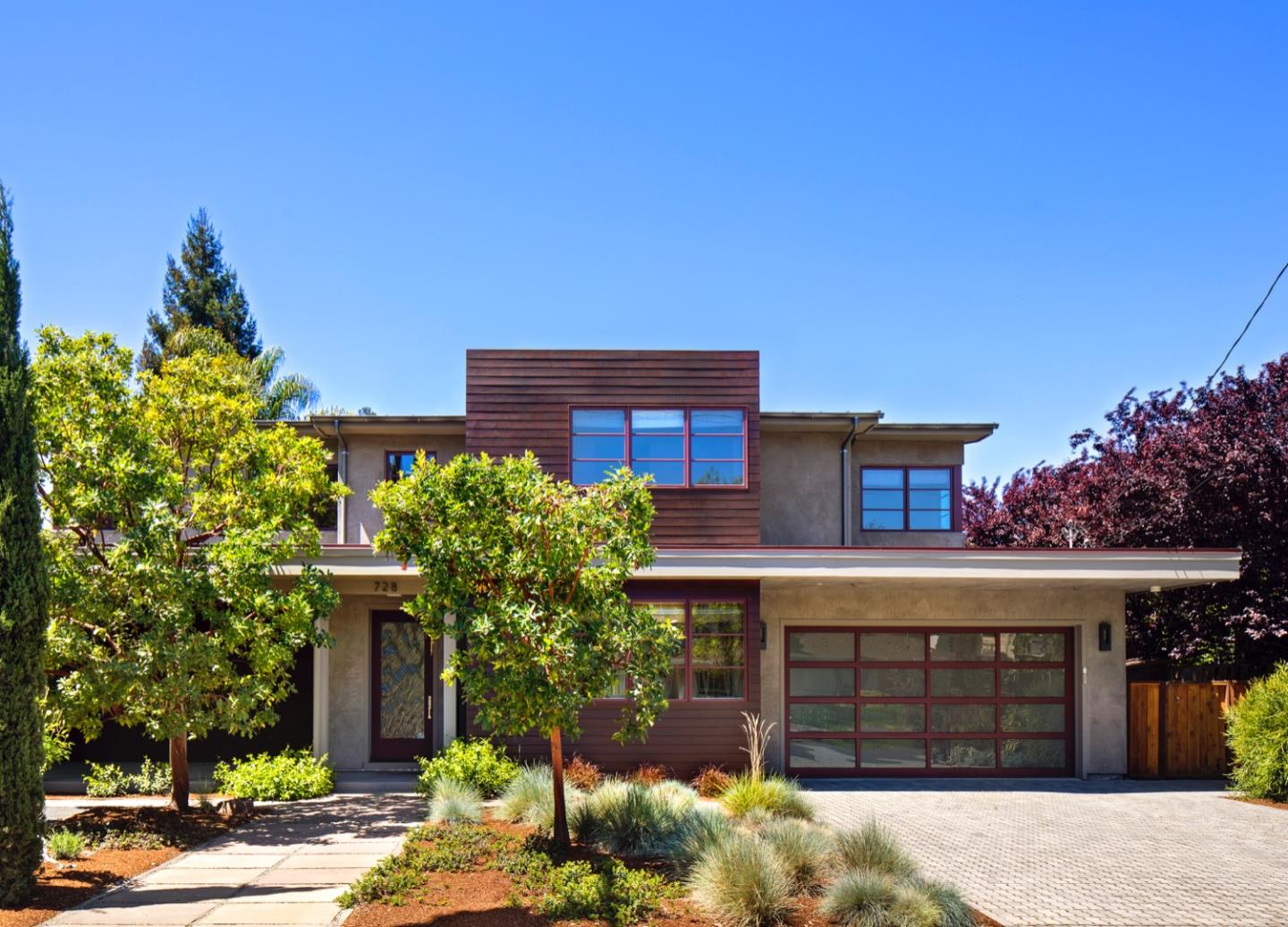 Detail Gallery Image 1 of 29 For 728 La Para Ave, Palo Alto, CA 94306 - 5 Beds | 4/1 Baths