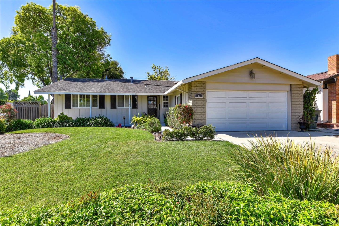Detail Gallery Image 1 of 1 For 1024 Sumac Dr, Sunnyvale, CA 94086 - 3 Beds | 2 Baths