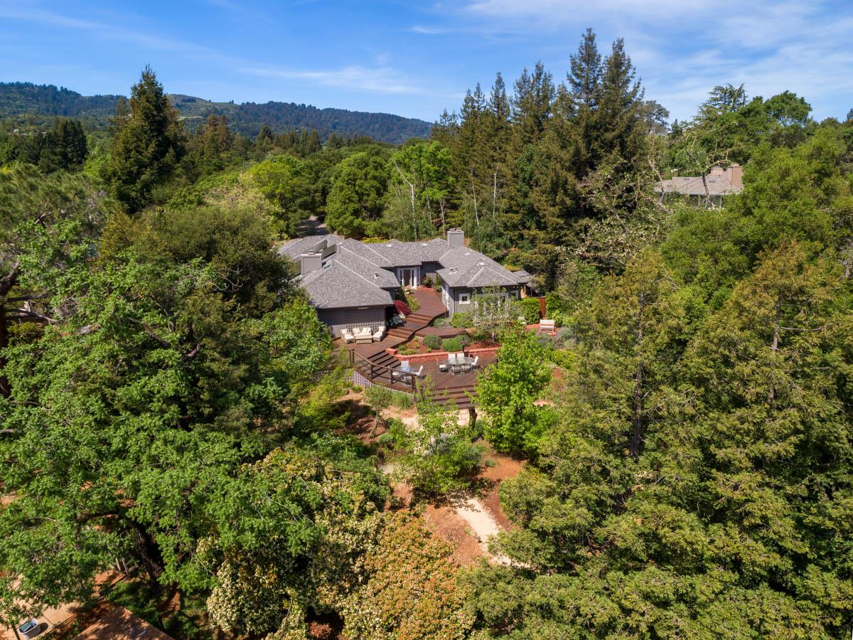 2 APPLEWOOD LN, PORTOLA VALLEY, CA 94028