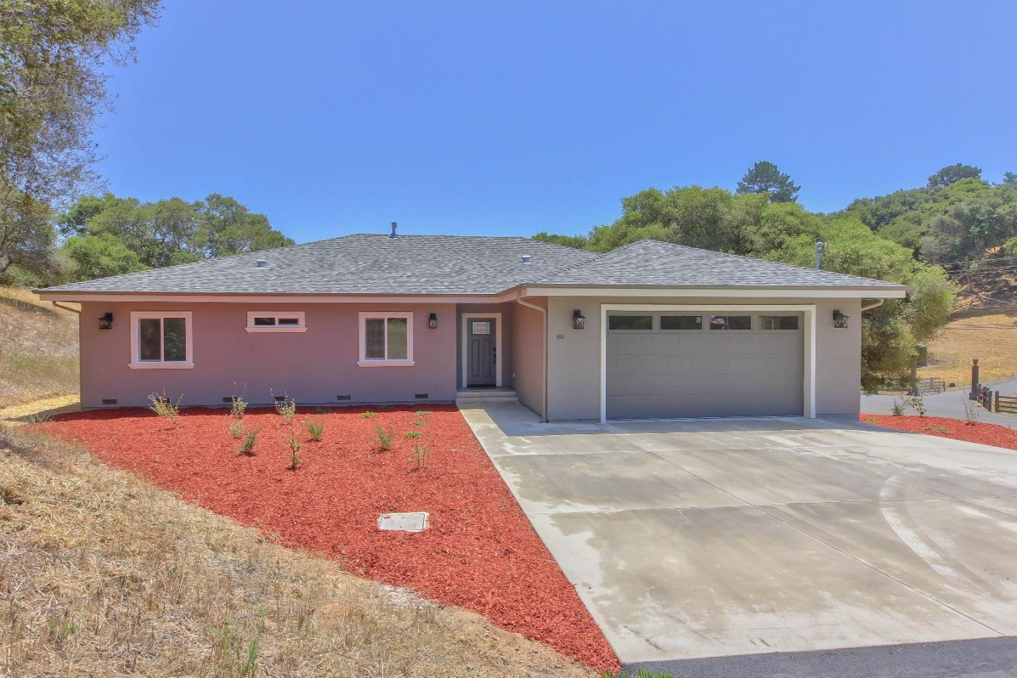 Detail Gallery Image 1 of 47 For 80 Paradise Rd, Salinas, CA 93907 - 4 Beds | 2 Baths