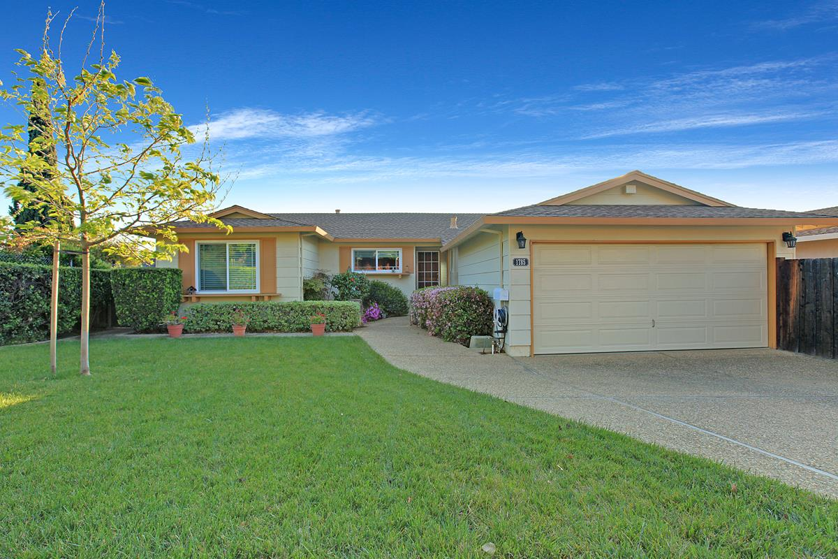Detail Gallery Image 1 of 1 For 1785 Stone Creek Dr, San Jose, CA 95132 - 4 Beds | 2 Baths