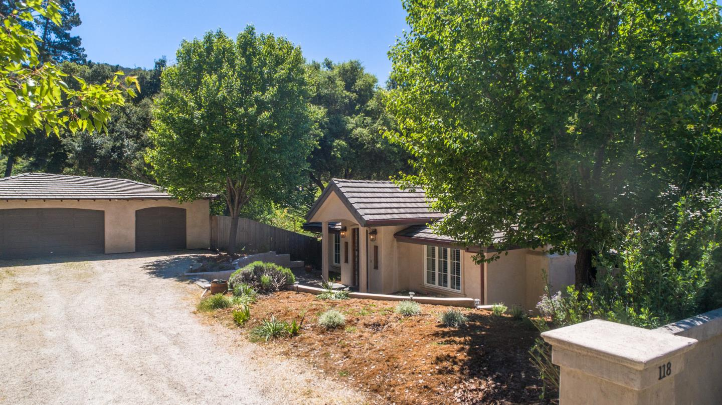 Detail Gallery Image 1 of 54 For 118 Calera Canyon Rd, Salinas, CA 93908 - 3 Beds | 2 Baths