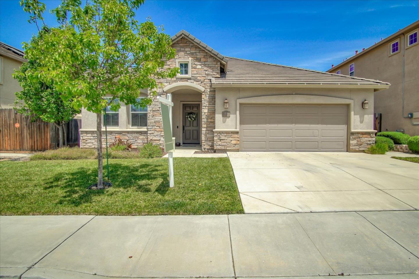 Detail Gallery Image 1 of 1 For 1310 Brigantino Dr, Hollister,  CA 95023 - 4 Beds | 2 Baths
