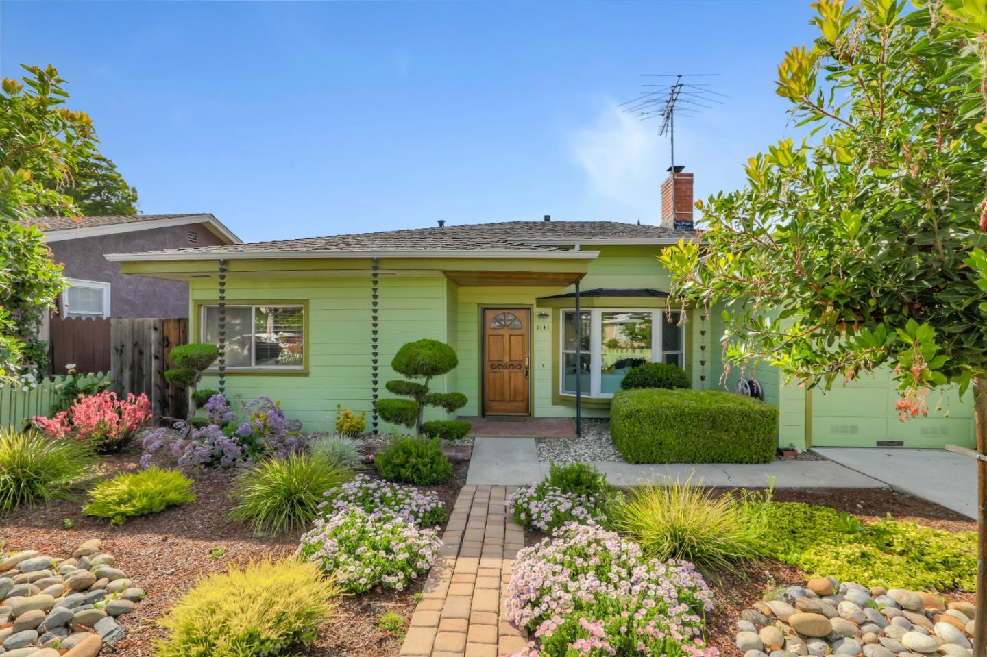 Detail Gallery Image 1 of 1 For 1141 Berkeley Ave, Menlo Park, CA 94025 - 3 Beds | 2 Baths