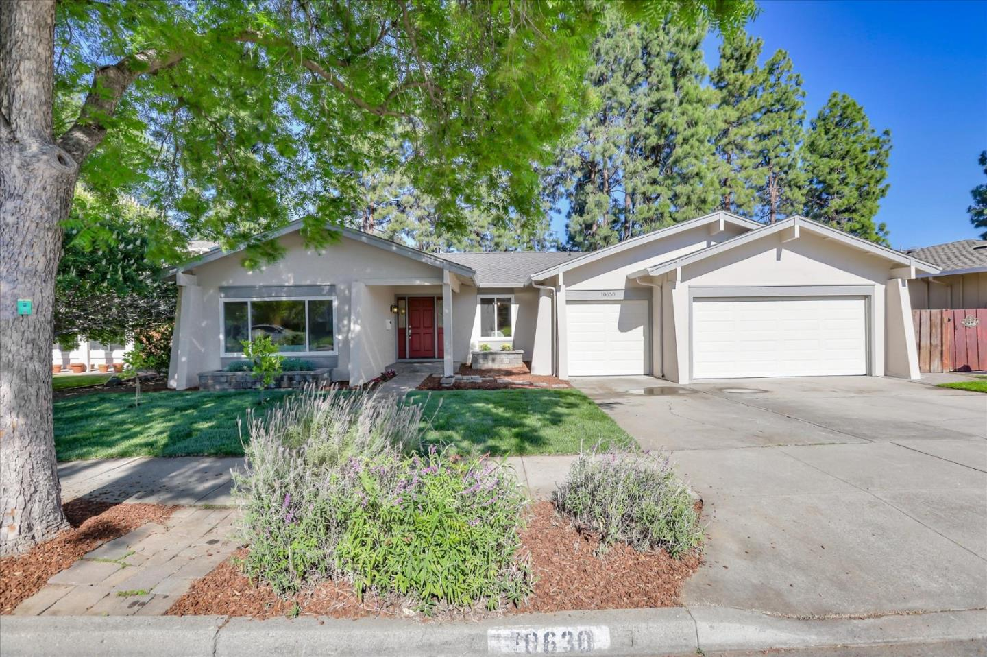 Detail Gallery Image 1 of 1 For 10630 Castine Ave, Cupertino, CA 95014 - 4 Beds | 2/1 Baths