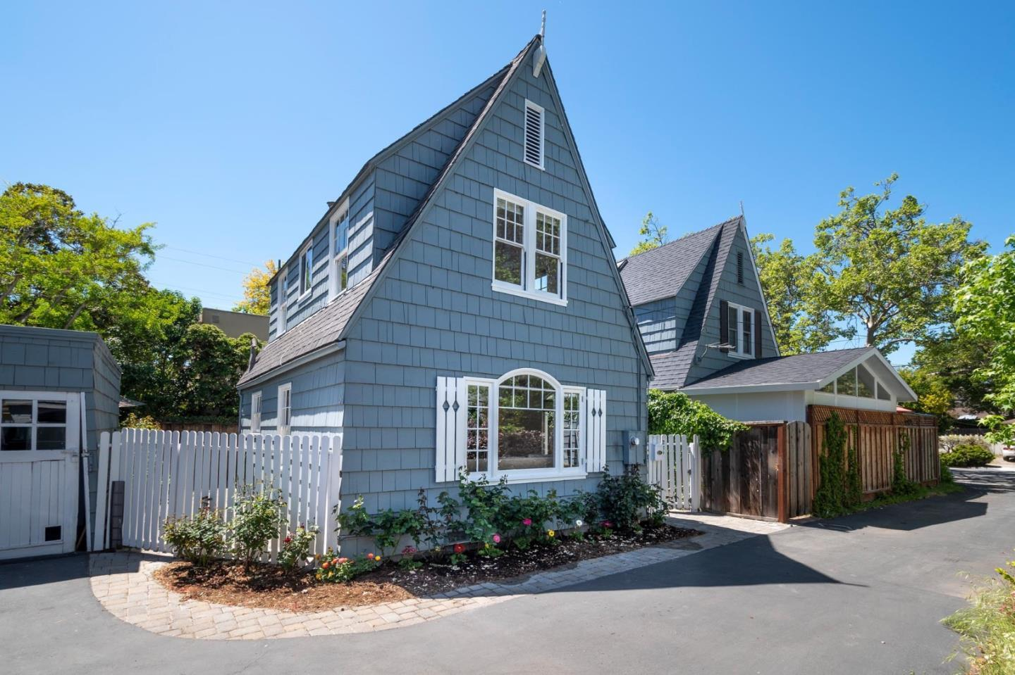 Detail Gallery Image 1 of 22 For 224 N California Ave, Palo Alto, CA 94301 - 2 Beds | 1/1 Baths
