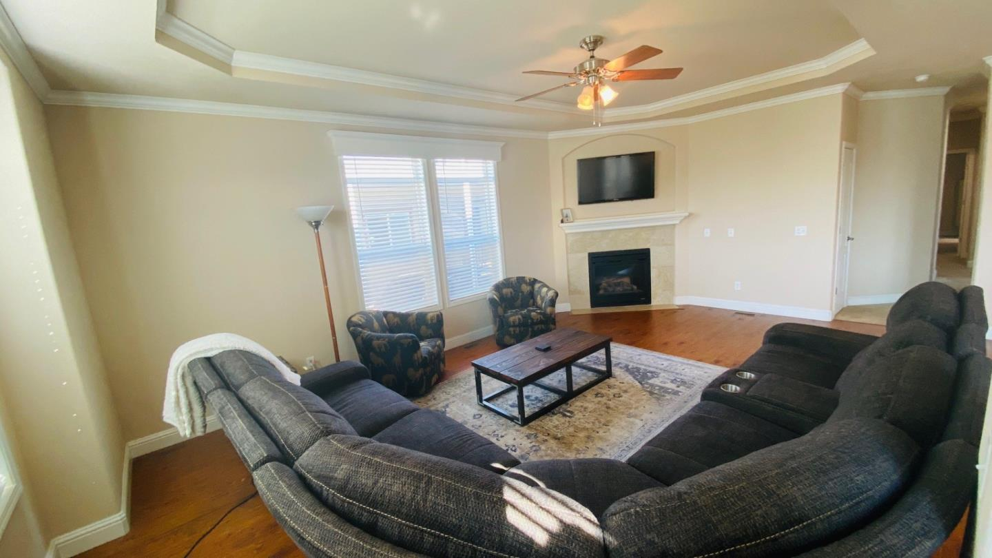 Detail Gallery Image 1 of 31 For 1220 Tasman Dr #500, Sunnyvale, CA 94089 - 3 Beds | 2 Baths