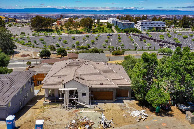 2567 Hillcrest Avenue Hayward, CA 94542