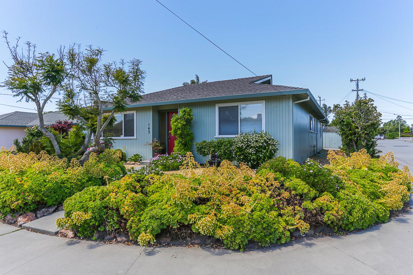 Detail Gallery Image 1 of 1 For 143 Getchell St, Santa Cruz,  CA 95060 - 3 Beds | 2 Baths