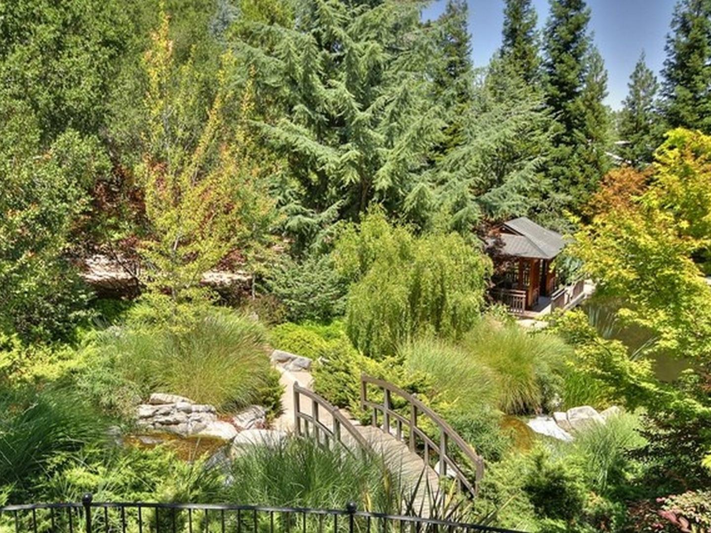16125 Greenwood LN Monte Sereno, CA 95030