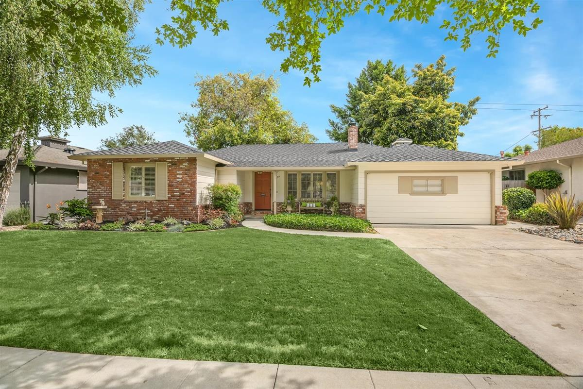 Detail Gallery Image 1 of 1 For 1304 Glen Dell Dr, San Jose,  CA 95125 - 3 Beds   2 Baths