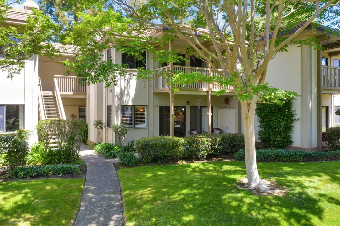 Detail Gallery Image 1 of 1 For 50 Horgan Ave #57,  Redwood City,  CA 94061 - 3 Beds | 2 Baths