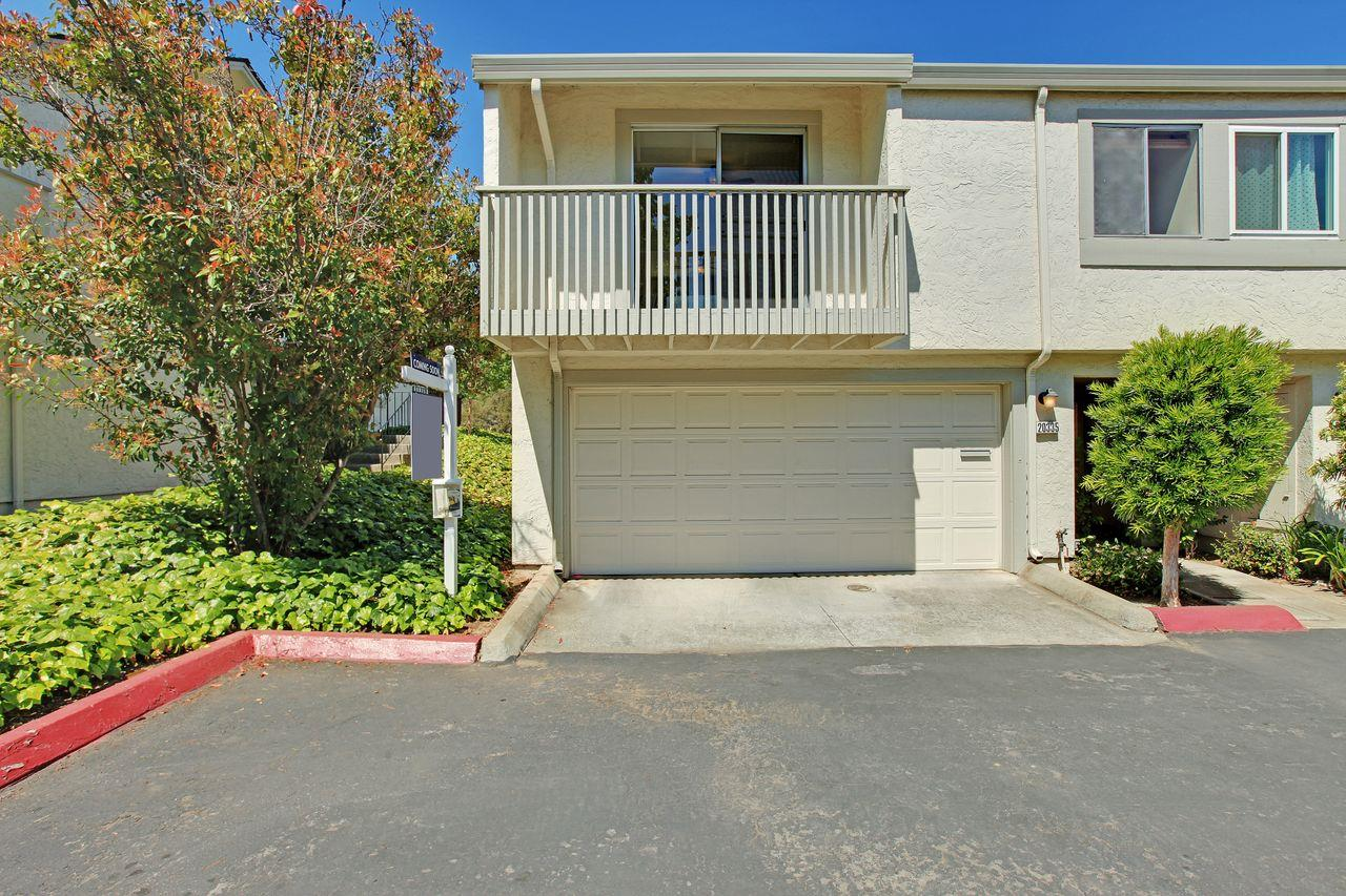 Detail Gallery Image 1 of 1 For 20335 Northglen Sq, Cupertino, CA 95014 - 2 Beds | 2 Baths