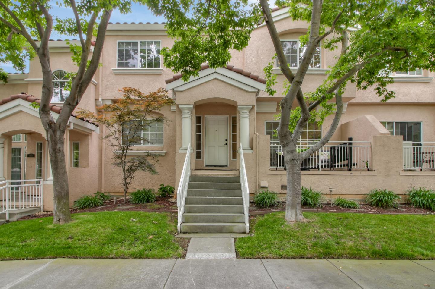 Detail Gallery Image 1 of 1 For 1159 Silver Canyon Dr, San Jose, CA 95120 - 3 Beds   2/1 Baths