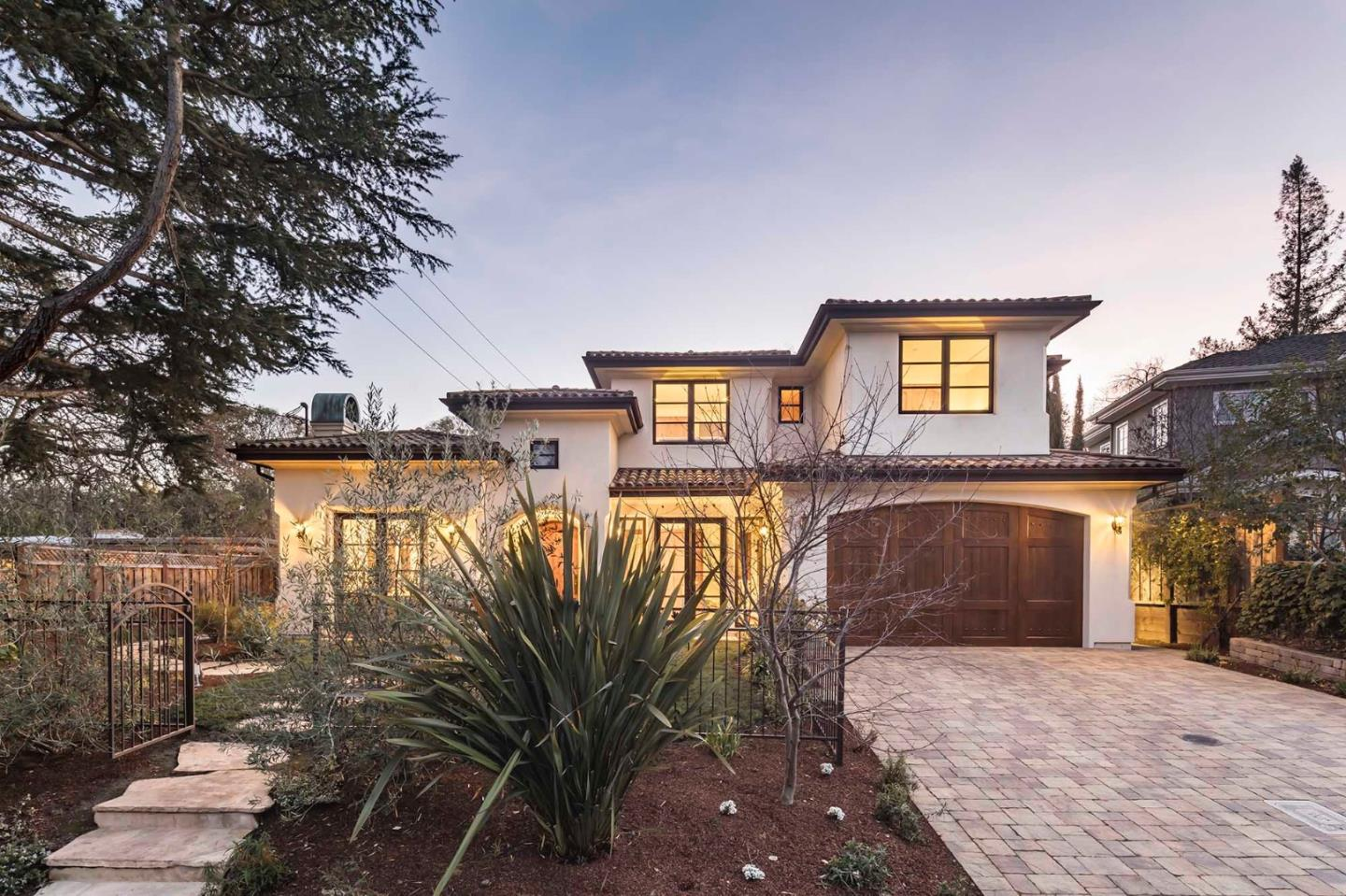 Detail Gallery Image 1 of 1 For 301 Stanford Ave, Menlo Park,  CA 94025 - 5 Beds   5/1 Baths