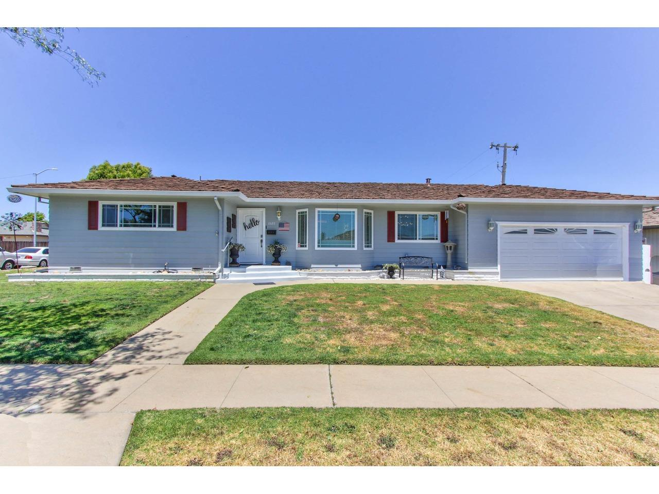 Detail Gallery Image 1 of 1 For 1603 Atherton Way, Salinas, CA 93906 - 4 Beds | 3 Baths