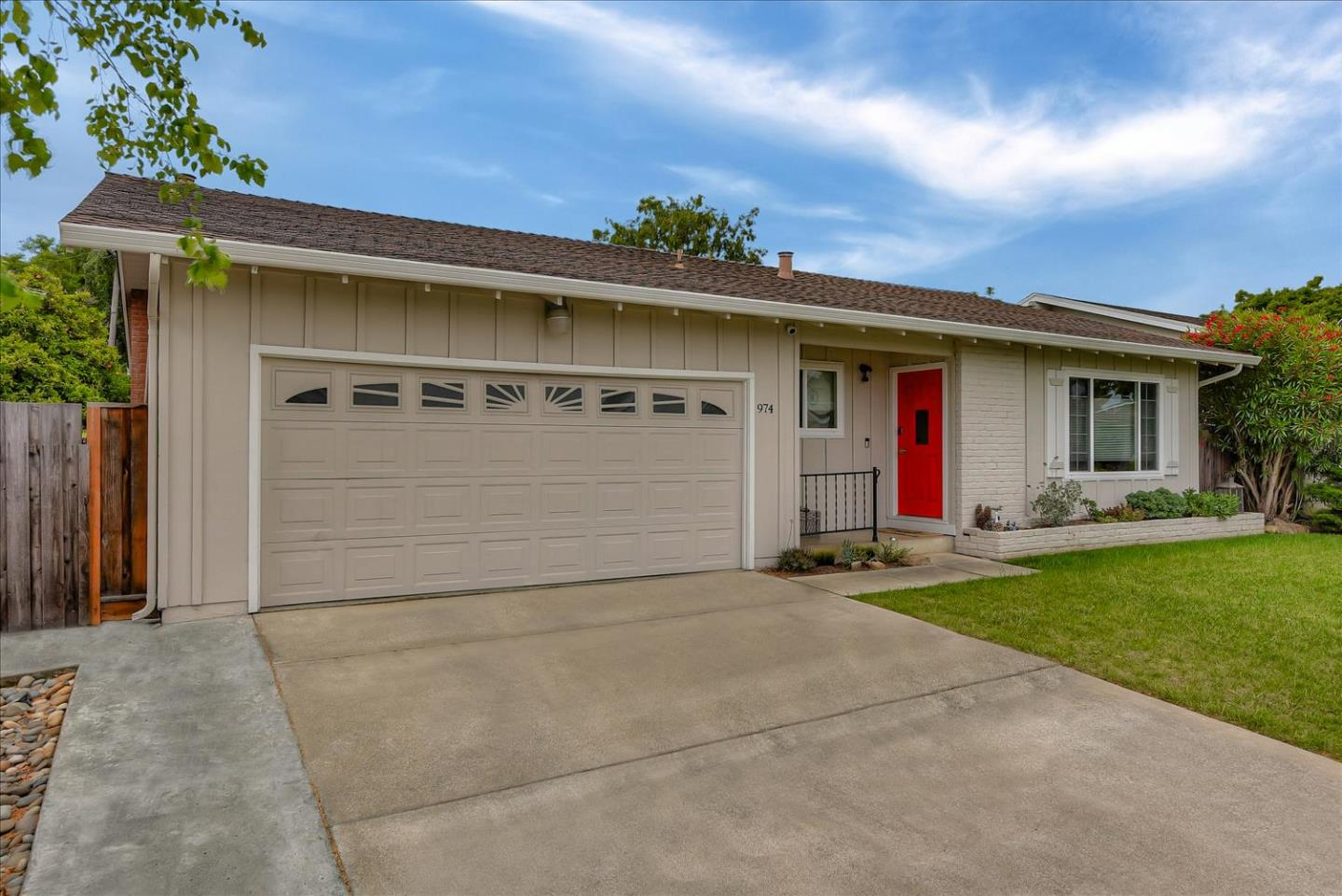 Detail Gallery Image 1 of 1 For 974 Lantana Dr, Sunnyvale, CA 94086 - 4 Beds | 2 Baths