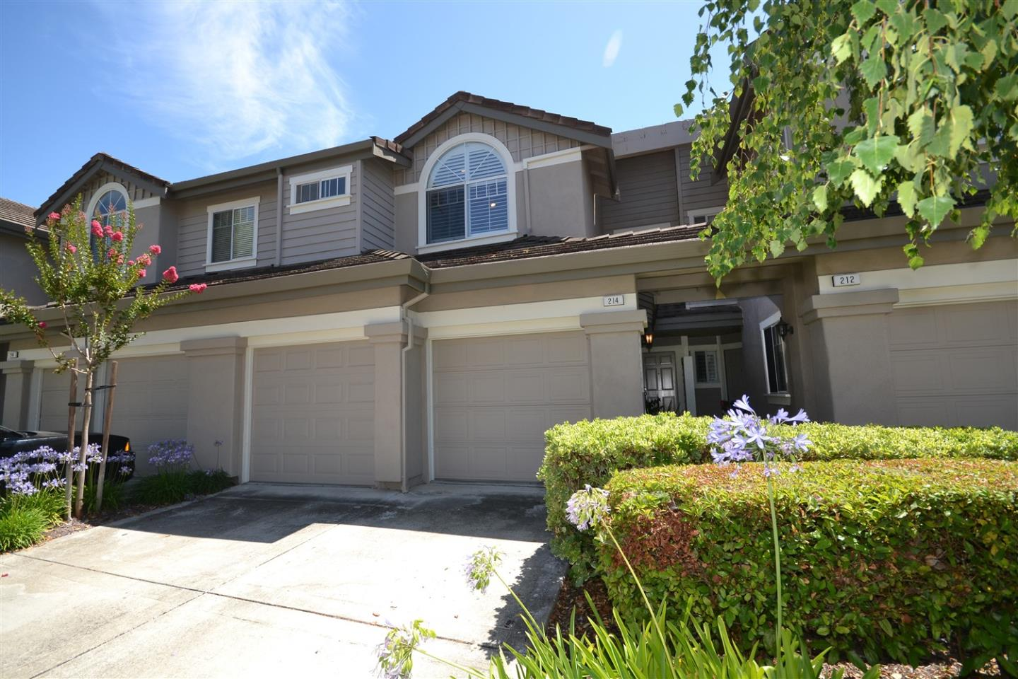 Detail Gallery Image 1 of 47 For 214 Sutton Cir, Danville,  CA 94506 - 2 Beds | 2/1 Baths