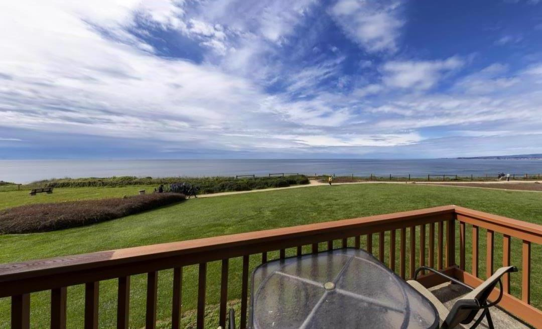 "THIS RECENTLY REMODELED 2/2.5 IS LOCATED ON THE PRESTIGIOUS ""SOUTH BLUFF"" OF THE SEASCAPE RESORT. AMENITIES INCLUDE FULL 180 DEGREE OCEAN VIEWS OF THE ENTIRE MONTEREY SANCTUARY, 3 POOLS AND SPAS, ONSITE RESTAURANT, GOLF AND TENNIS NEARBY AND MUCH MORE. ONE OF THE IMPORTANT THINGS TO POINT OUT ABOUT THIS CONDO AS COMPARED TO OTHERS AT THE RESORT IS THAT THERE IS NO OTHER CONDO ABOVE OR BELOW THIS ONE. THIS CONDOMINIUM HAS GRASS ACCESS AND MUCH MORE PRIVACY THAN OTHER CONDOS."