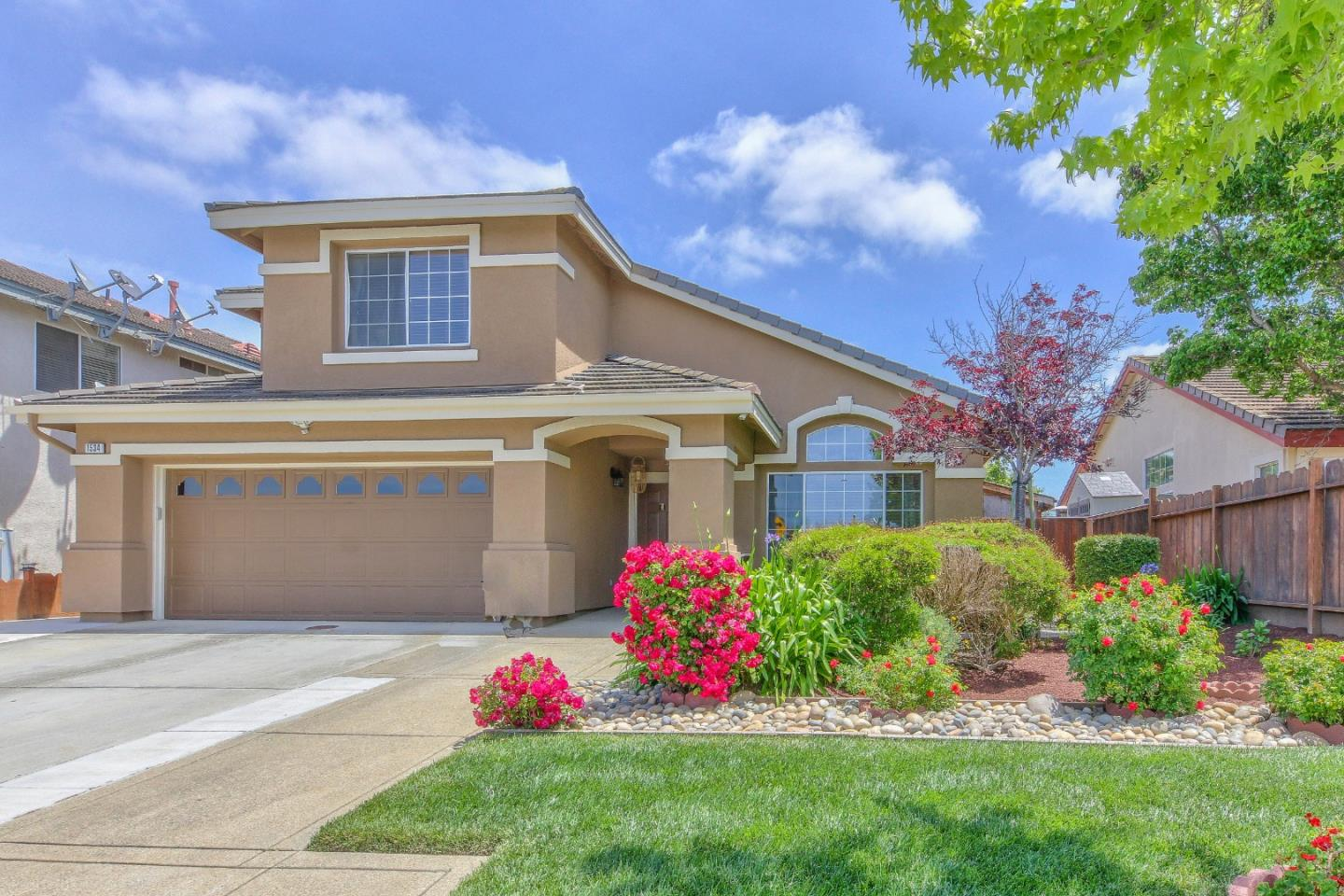 Detail Gallery Image 1 of 1 For 1534 Madrone Dr, Salinas,  CA 93905 - 4 Beds | 2/1 Baths