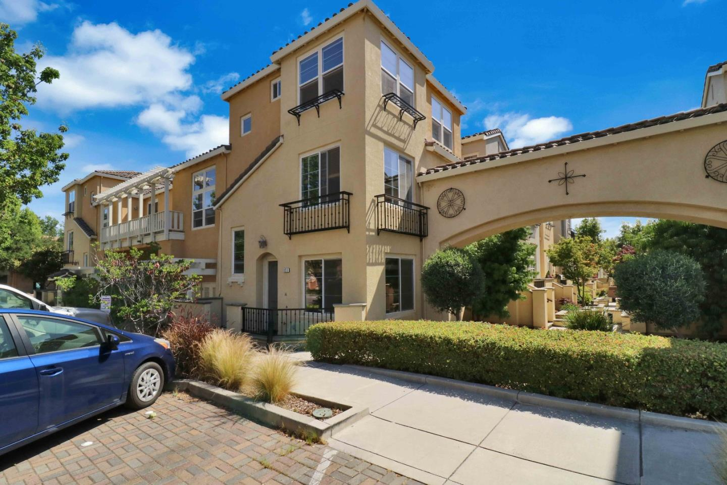 Detail Gallery Image 1 of 1 For 10280 Park Green Ln #839, Cupertino, CA 95014 - 4 Beds | 3/1 Baths