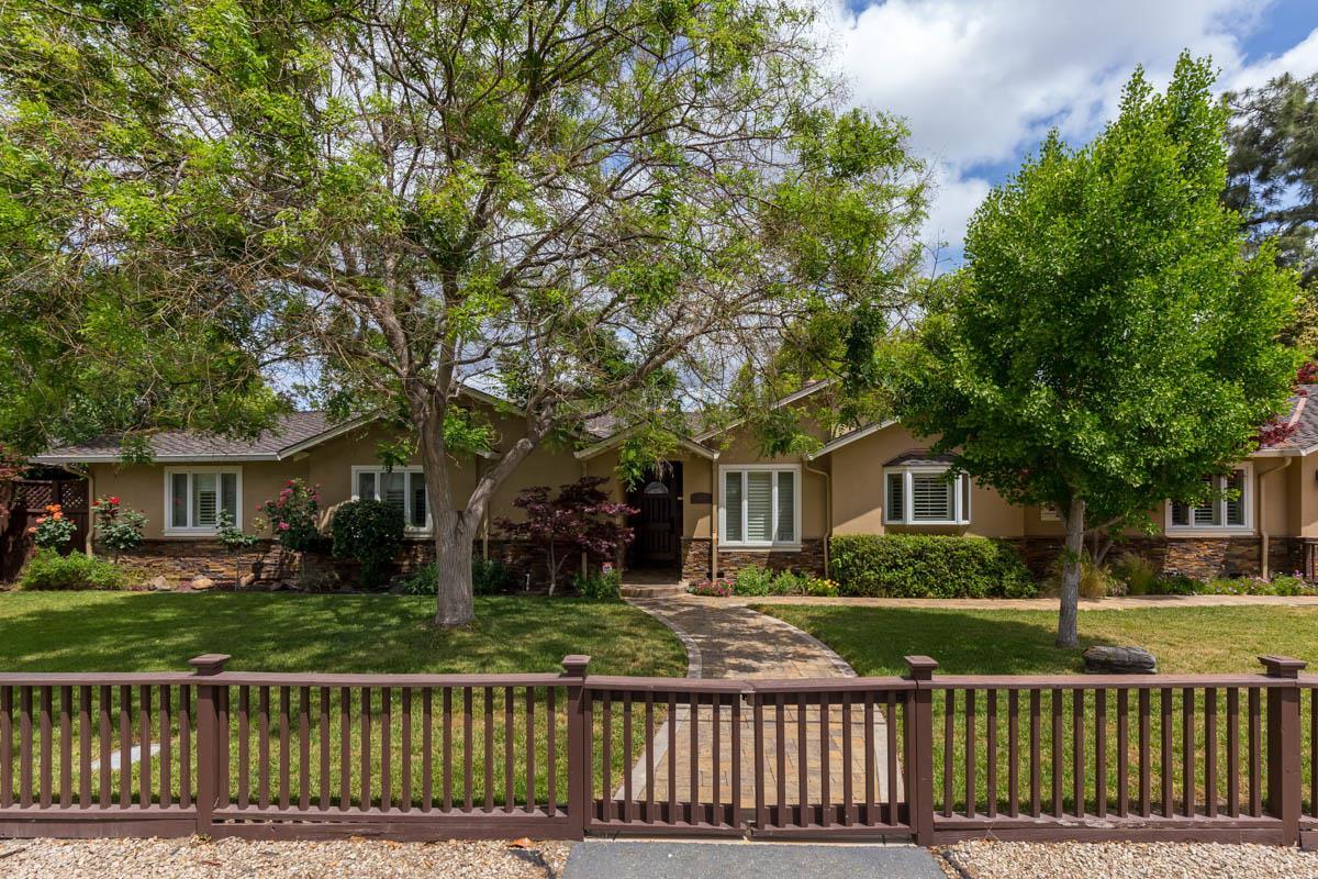 1623 Fallen Leaf Los Altos, CA 94024