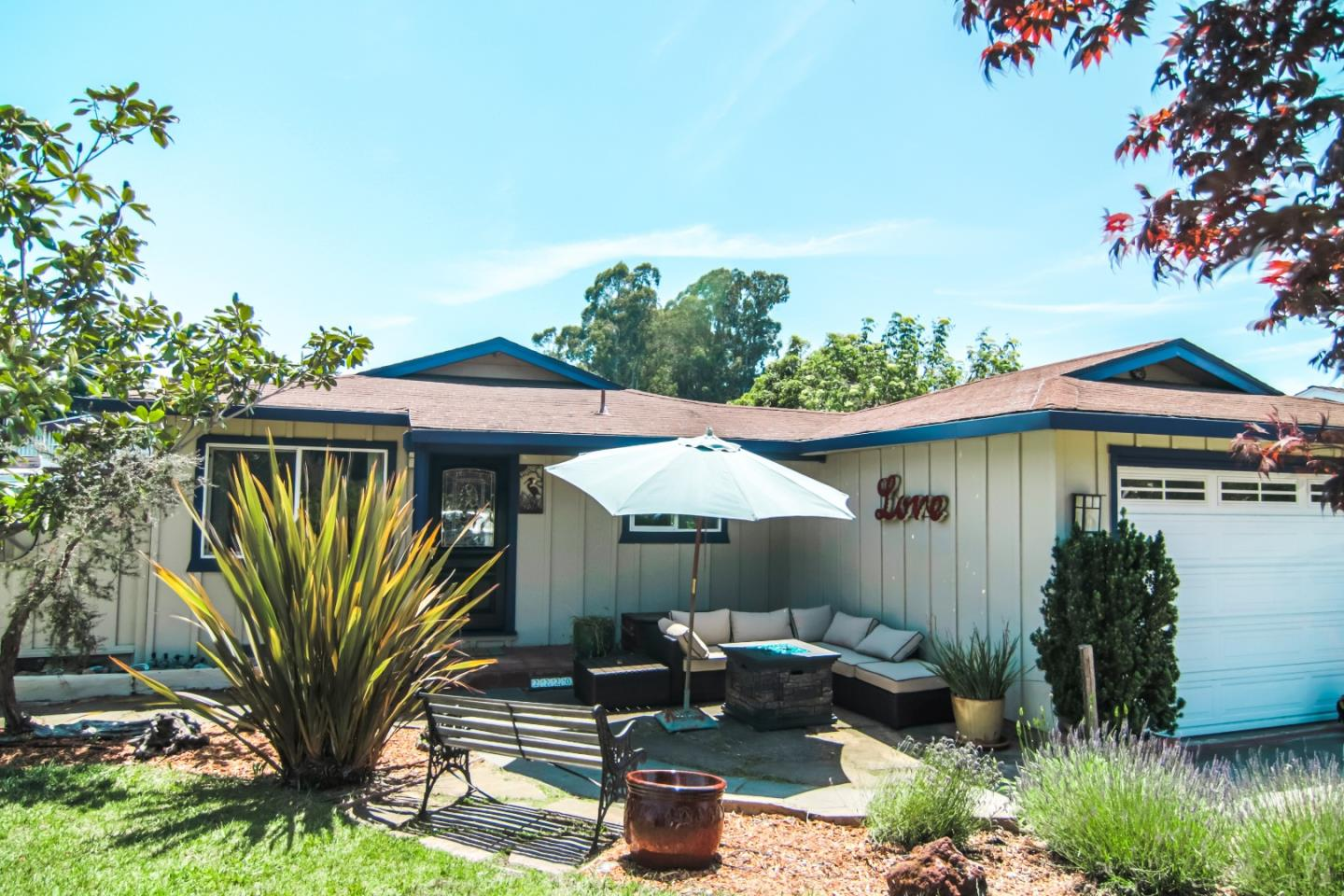 Detail Gallery Image 1 of 1 For 2220 Twin Hills Dr, Santa Cruz, CA 95065 - 3 Beds | 2 Baths