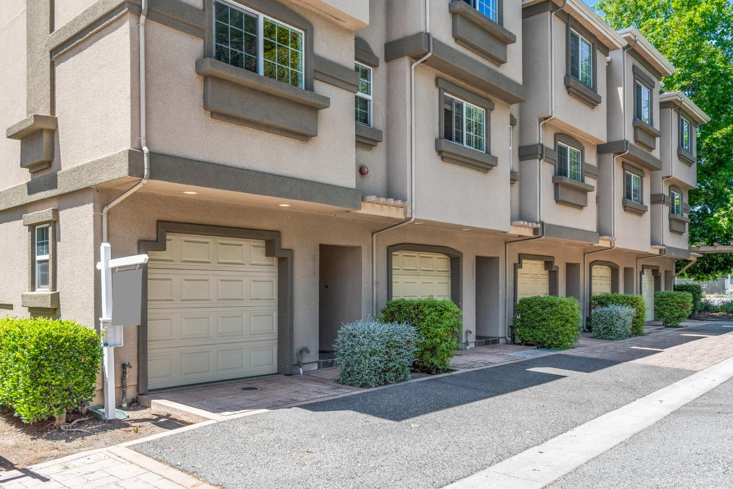 Detail Gallery Image 1 of 1 For 610 Antioch Ter, Sunnyvale,  CA 94085 - 2 Beds | 2/1 Baths