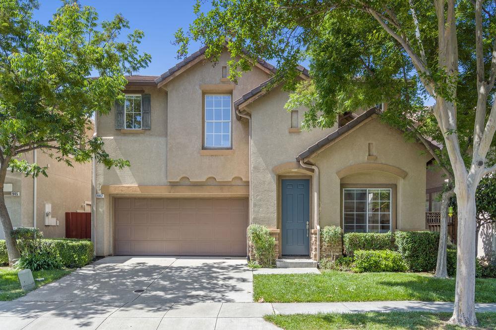 Detail Gallery Image 1 of 61 For 947 Sunbonnet Loop, San Jose, CA 95125 - 5 Beds | 3 Baths