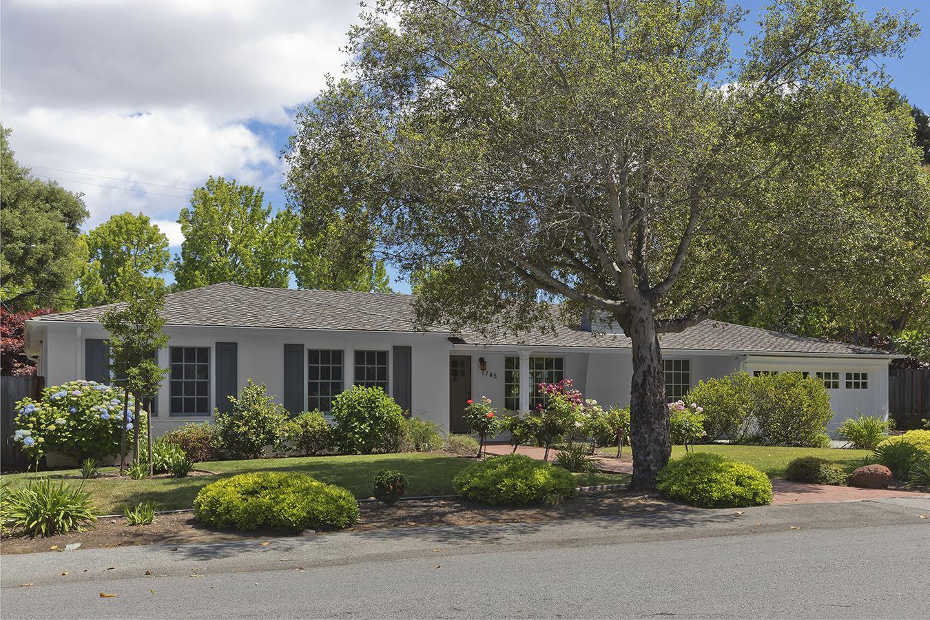 1745 Oak Avenue Menlo Park, CA 94025