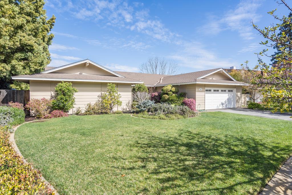401 Juanita Way Los Altos, CA 94022