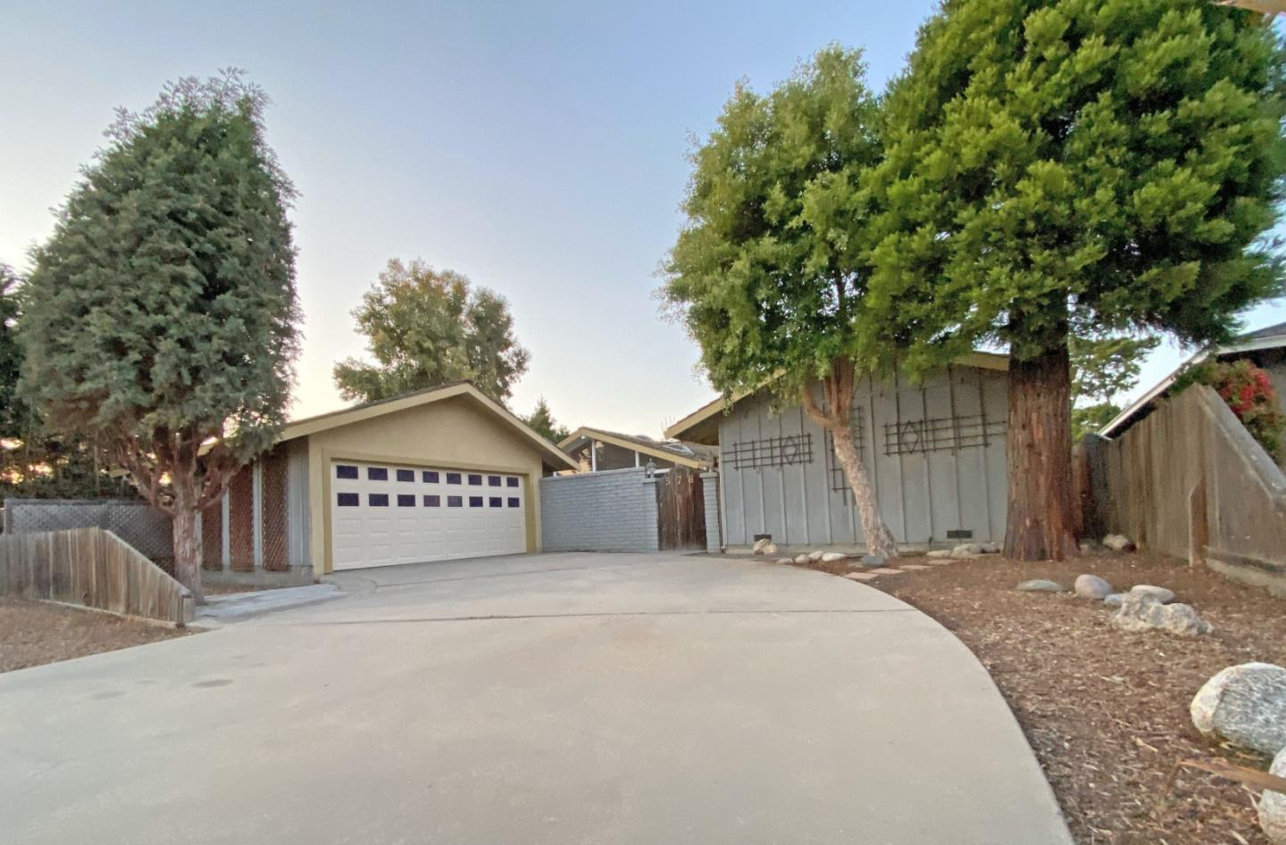 Detail Gallery Image 1 of 1 For 378 Palma Dr, Salinas,  CA 93901 - 3 Beds | 2 Baths