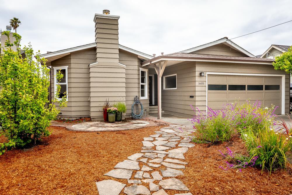 Detail Gallery Image 1 of 1 For 1605 Delaware Ave, Santa Cruz,  CA 95060 - 3 Beds | 2 Baths