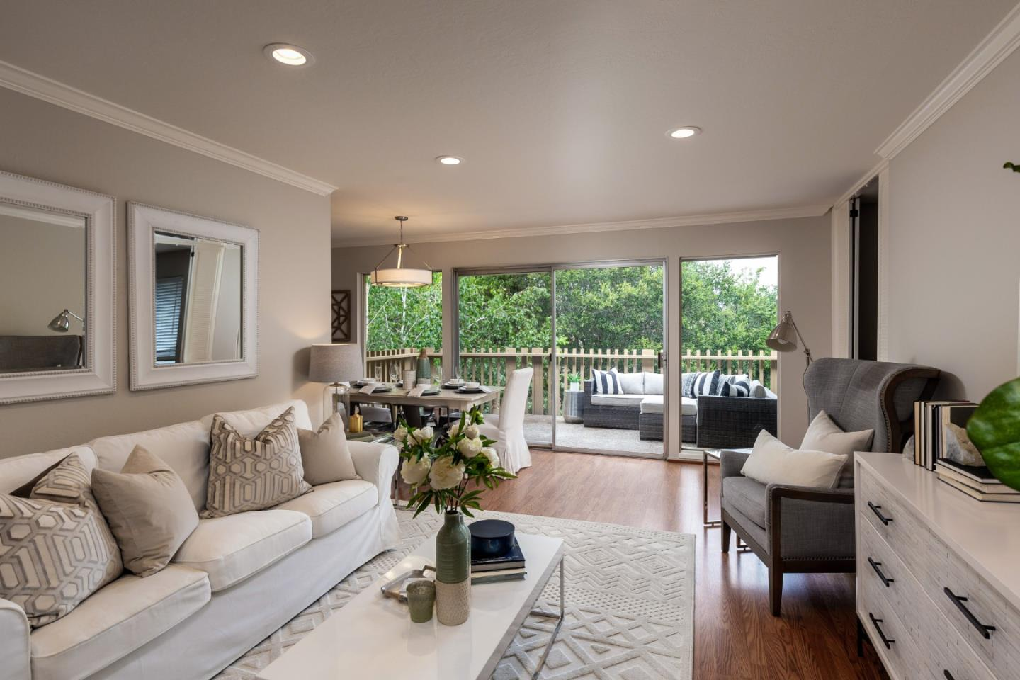 Detail Gallery Image 1 of 1 For 2315 Eastridge Ave #722,  Menlo Park,  CA 94025 - 3 Beds | 2 Baths